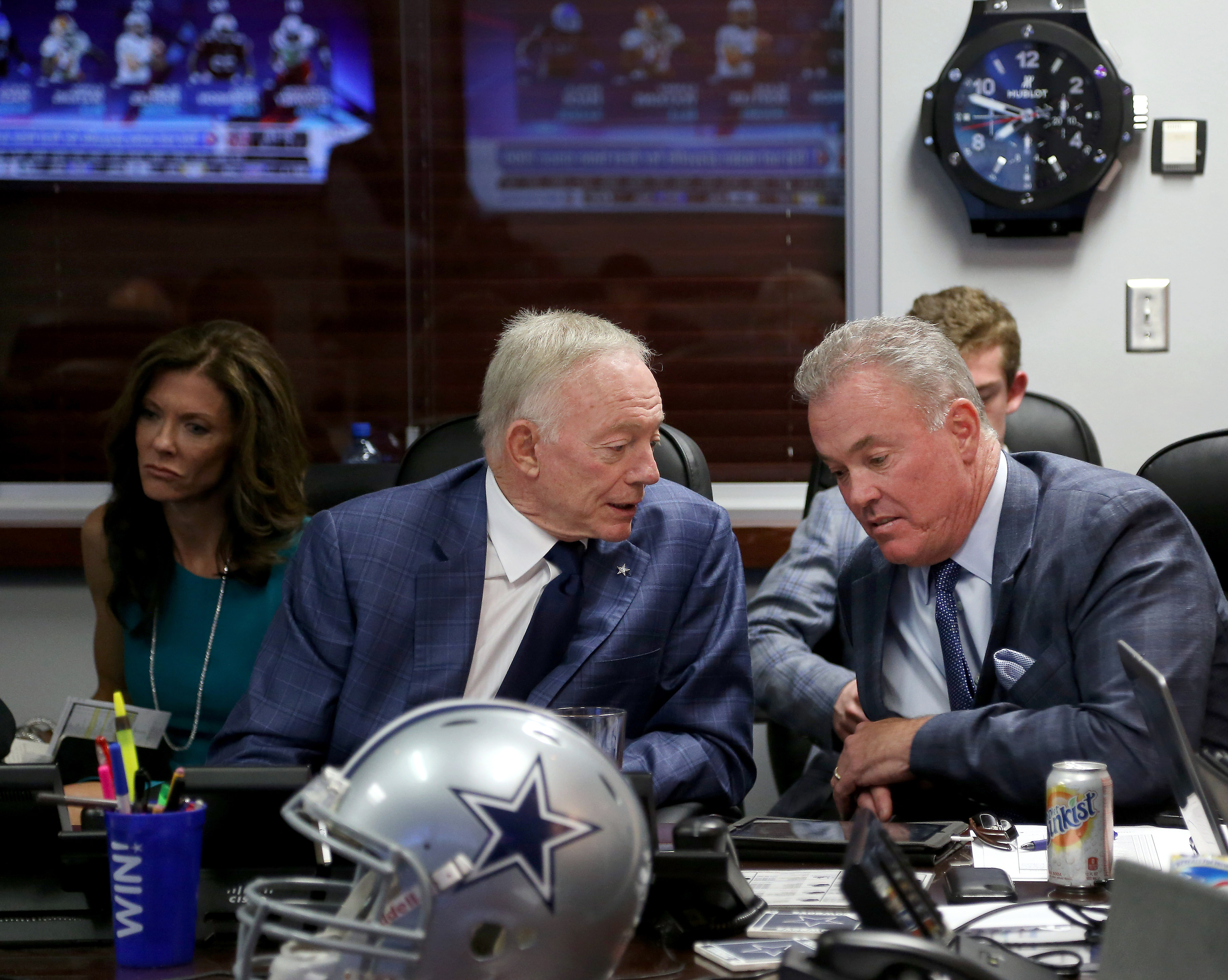Cowboys-free-agency-plugging-the-holes-before-the-draft-6