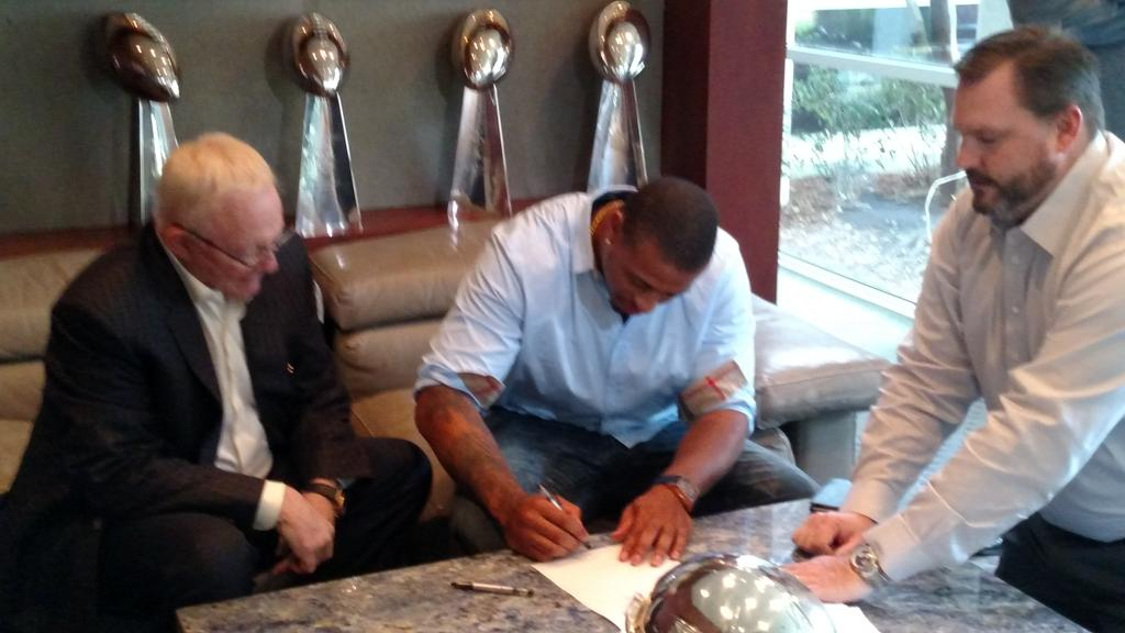 Cowboys Blog - Greg Hardy Joins Cowboys on 1 Year Deal
