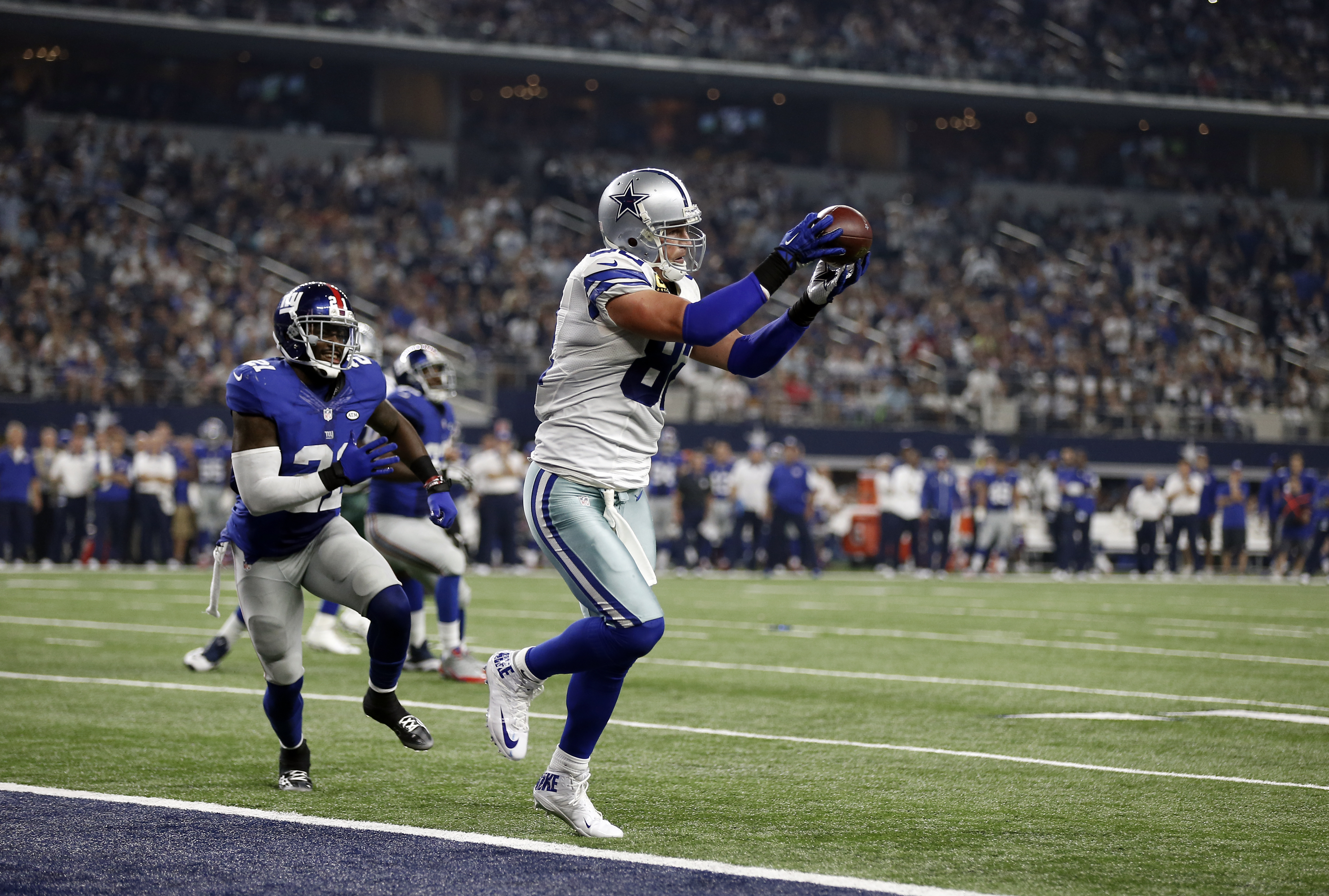 Rivalry-review-dallas-cowboys-own-new-york-giants1