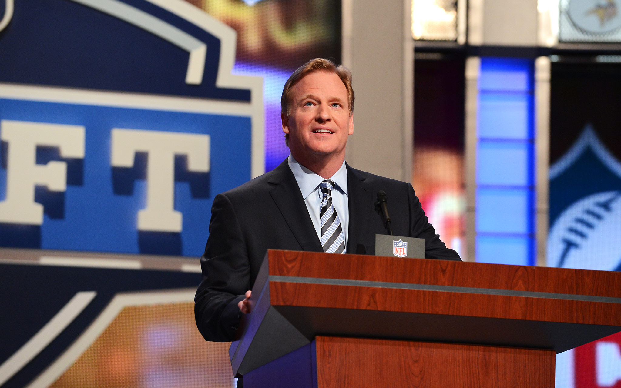 Draft Blog - Dallas Cowboys Set to Pick at 4 in the 2016 NFL Draft