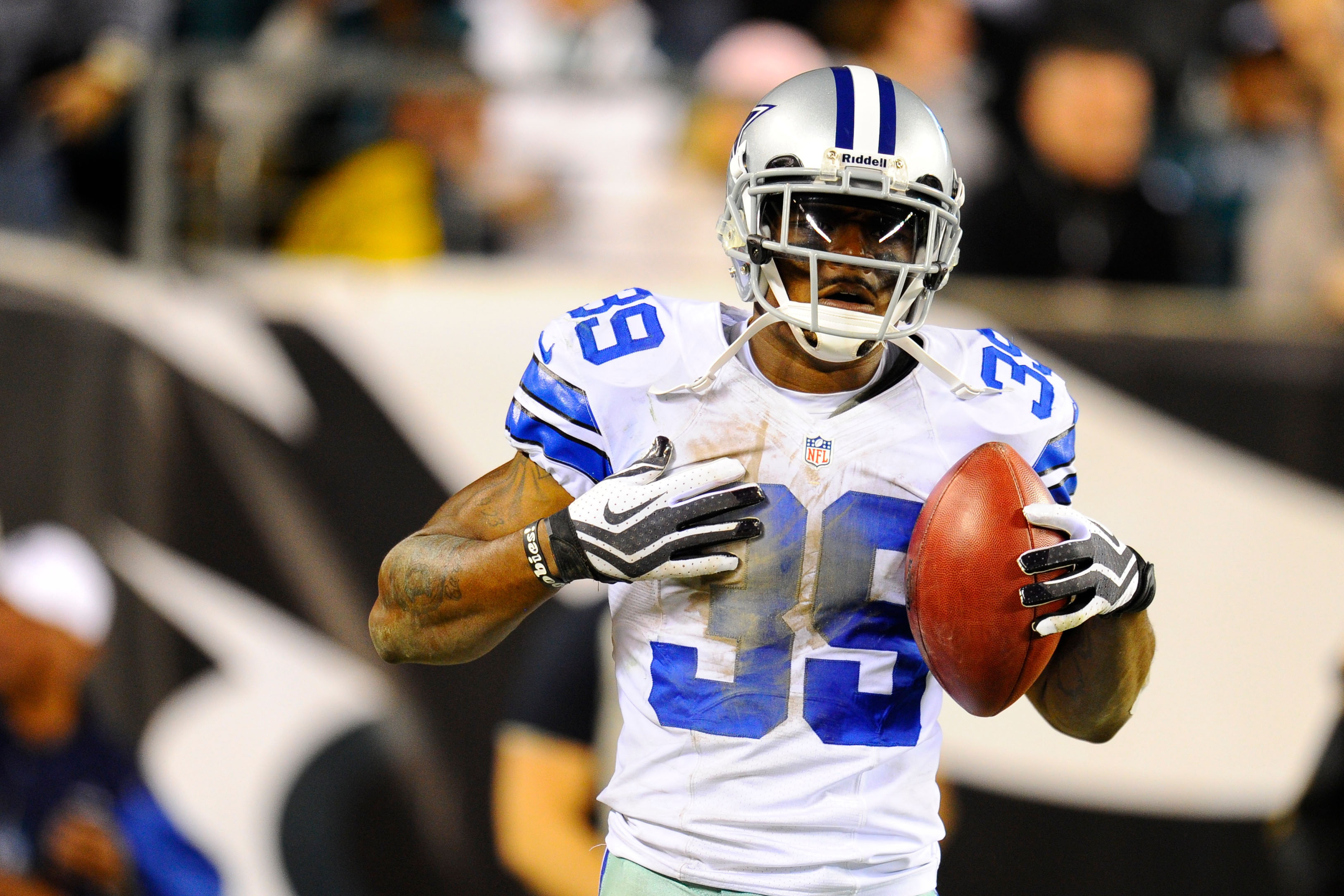 Cowboys Blog - Cowboys Corner Brandon Carr Donating $110,000 To Hometown Of Flint 1