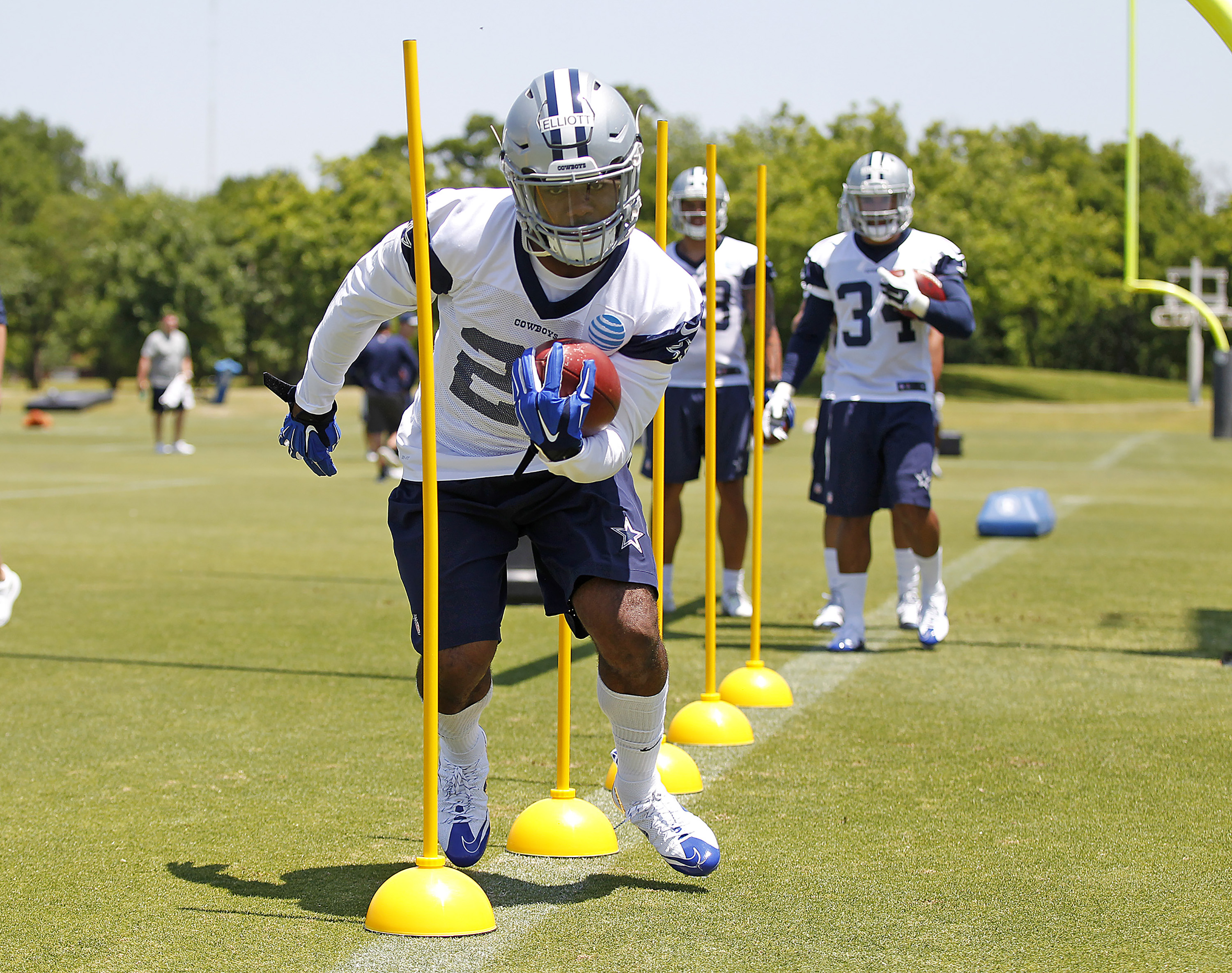 Cowboys Headlines - Finding Roles for the Cowboys Offensive Rookies 1