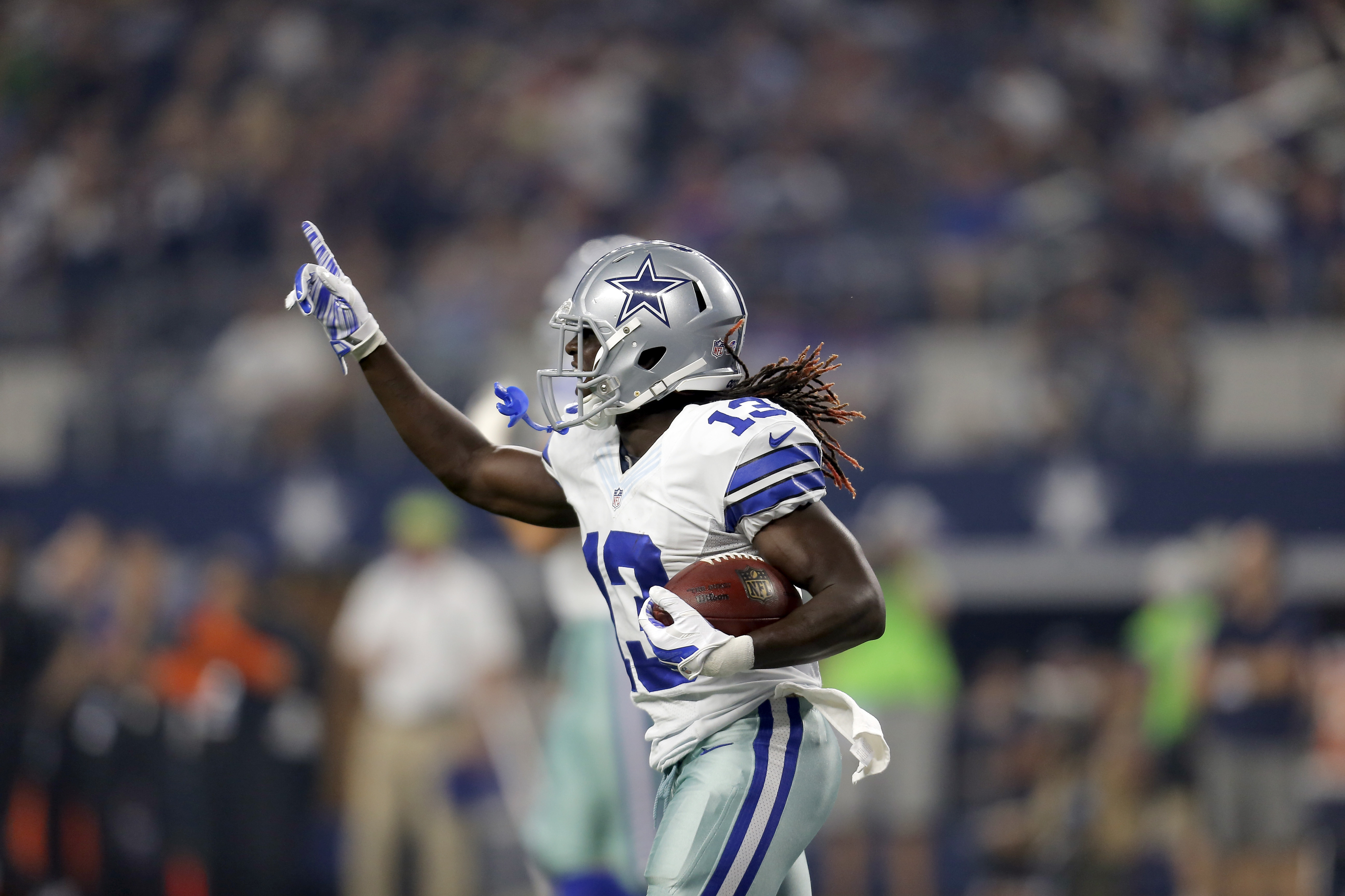 Cowboys Headlines - Sundays Without Football: Lucky Whitehead Hits The Streets Of Dallas 3
