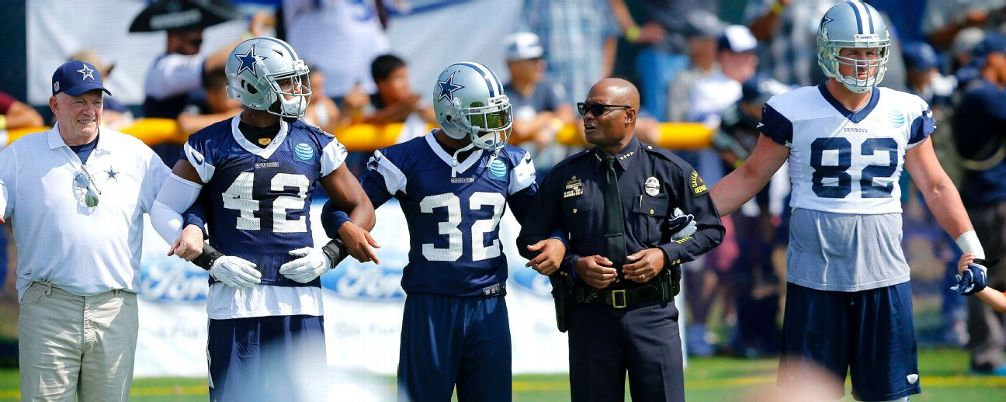 Cowboys Headlines - Dallas Cowboys' Make Statement About Unity