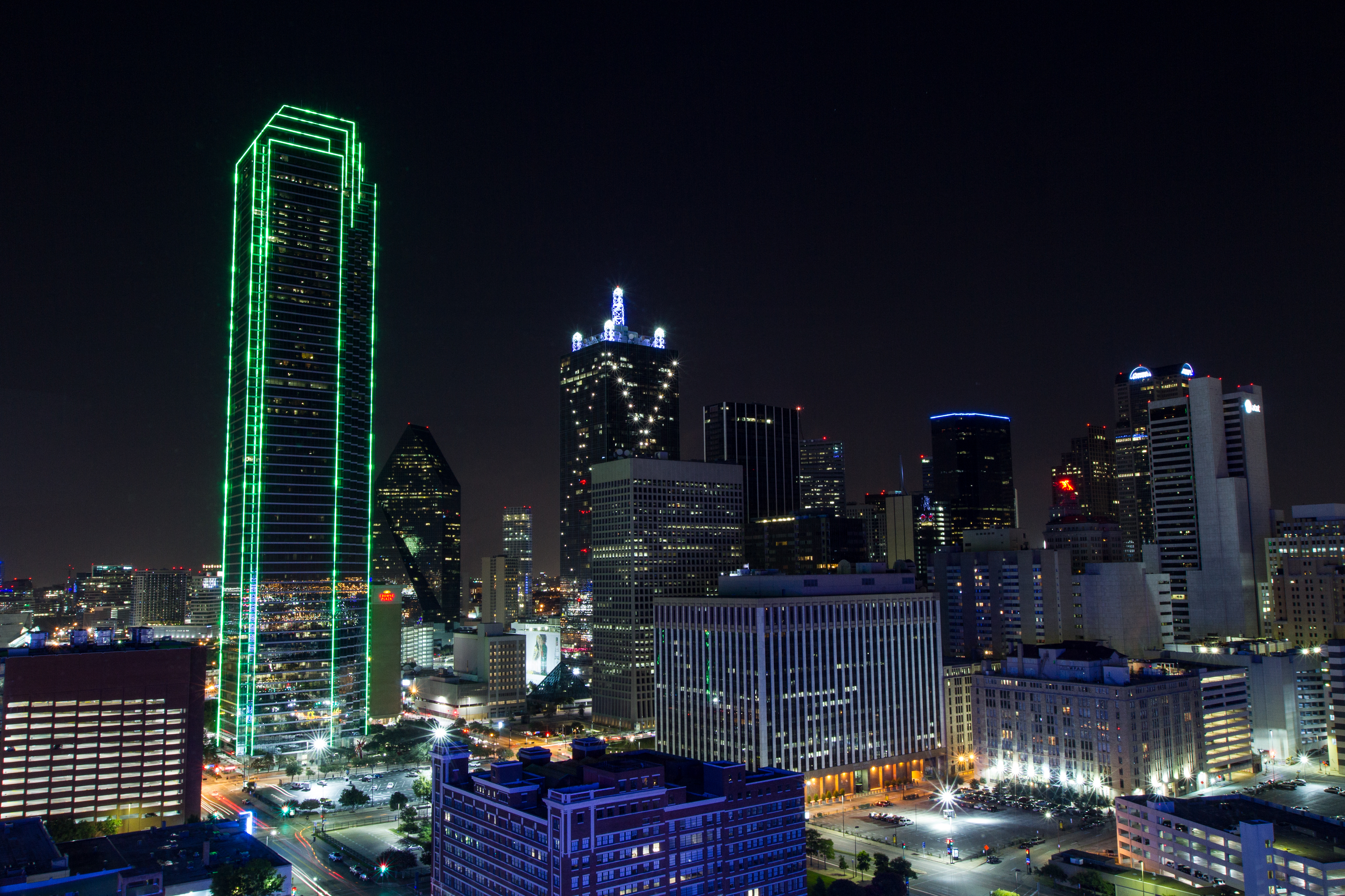 Cowboys Headlines - Tweet Break: Cowboys Players Show Support for Dallas
