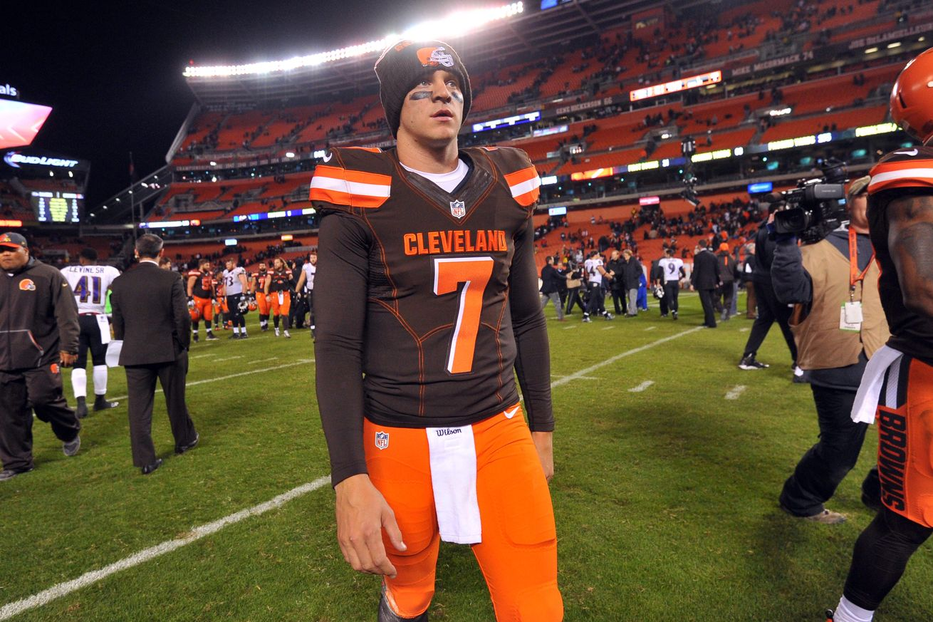 Cowboys Headlines - What Could Quarterback Austin Davis Bring To The Dallas Cowboys?