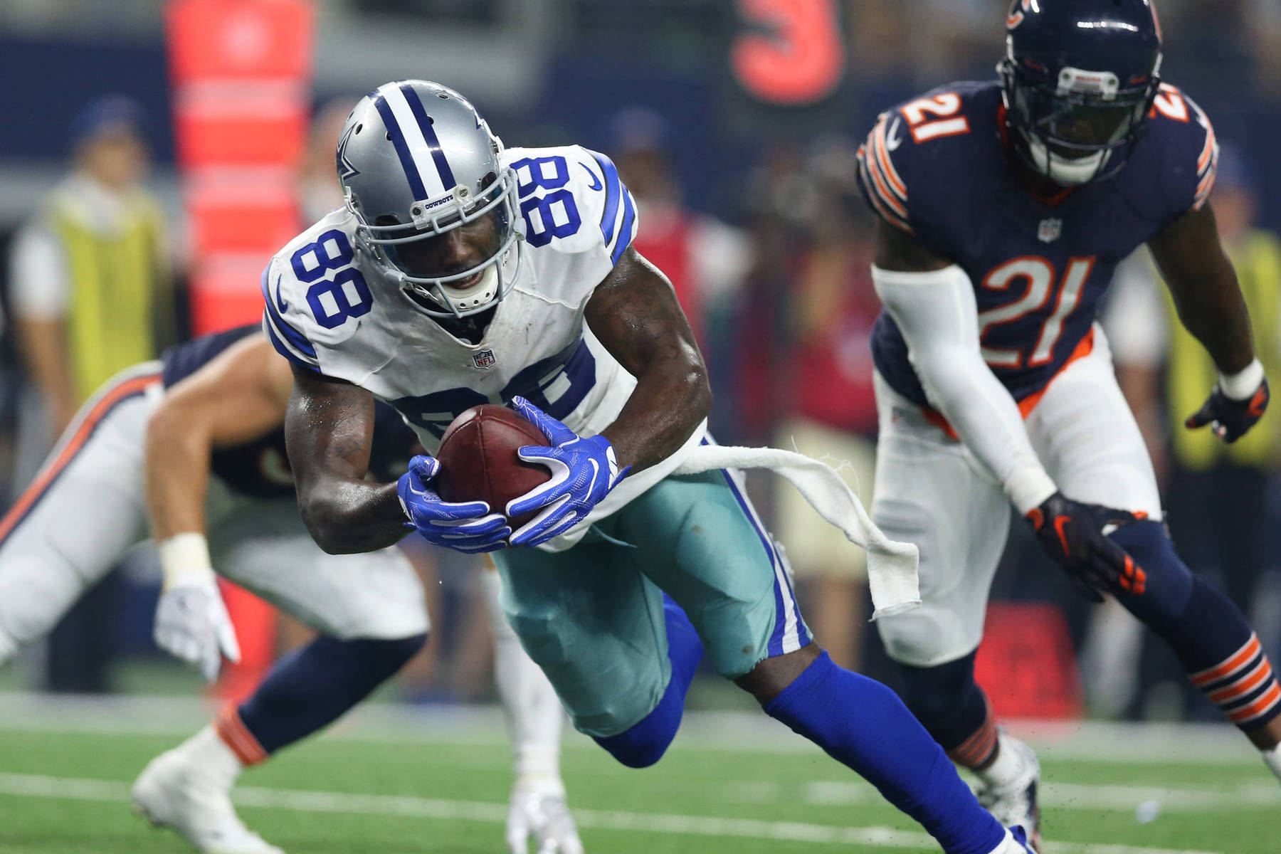 Cowboys Headlines - Dez Bryant Has Hairline Fracture, Hopeful To Play Sunday In San Francisco