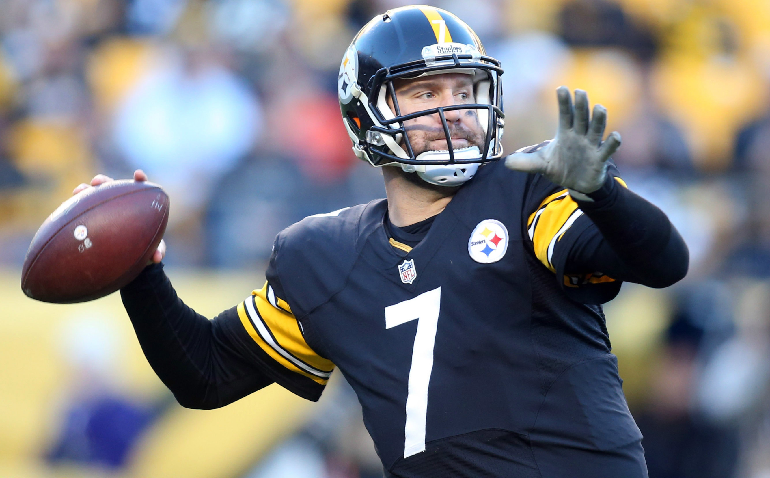 Cowboys Headlines - Ben Roethlisberger Knee Surgery; Could Miss Cowboys Game