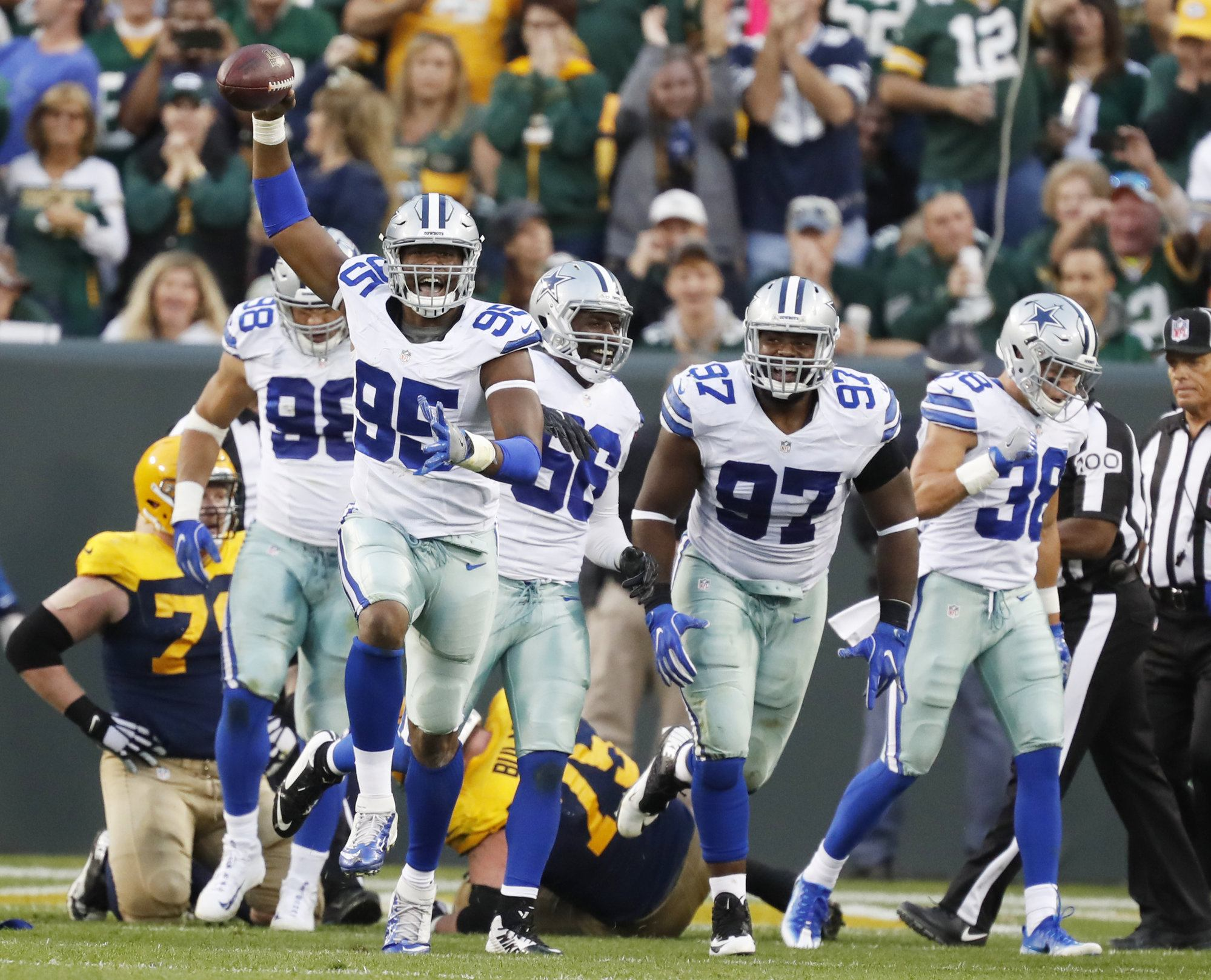 Defensive-end-david-irving-named-nfc-defensive-player-of-the-week