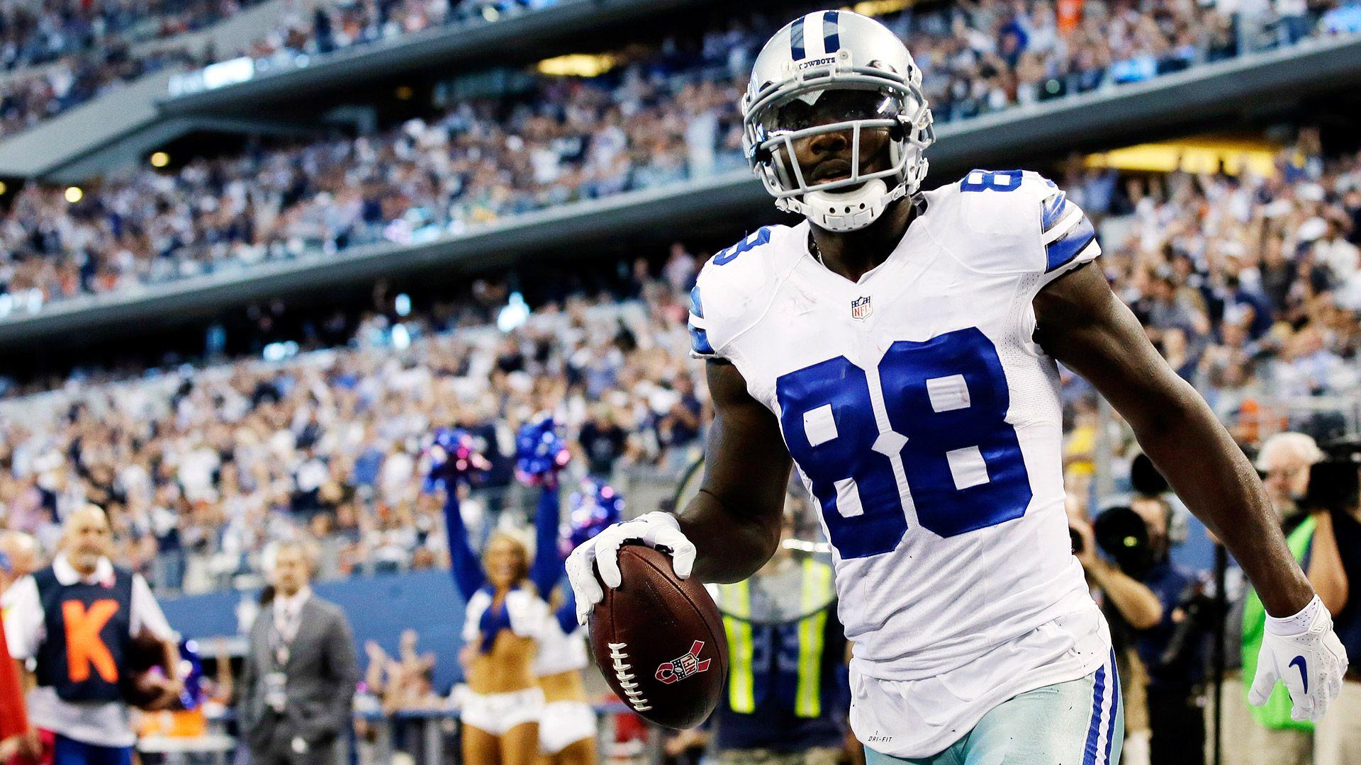 Cowboys Headlines - Cowboys Vs Buccaneers Week 15 Game Flexed, Extends Streak of Prime Time Match Ups