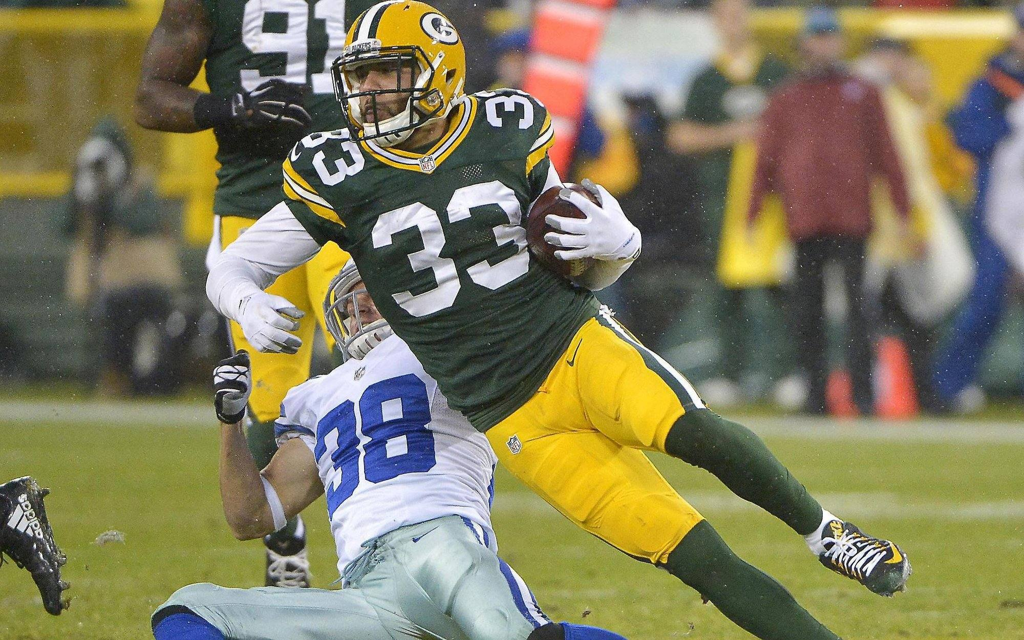 Cowboys Should Target This Former Green Bay Packer In Free Agency