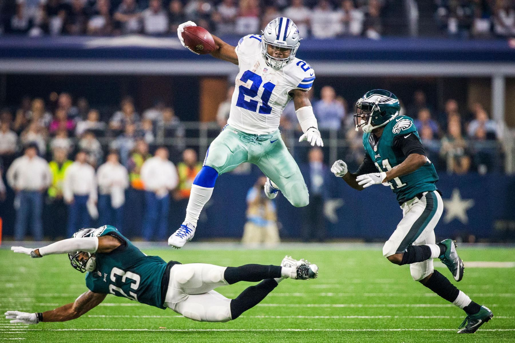 When will Ezekiel Elliott return to the Dallas Cowboys from suspension?