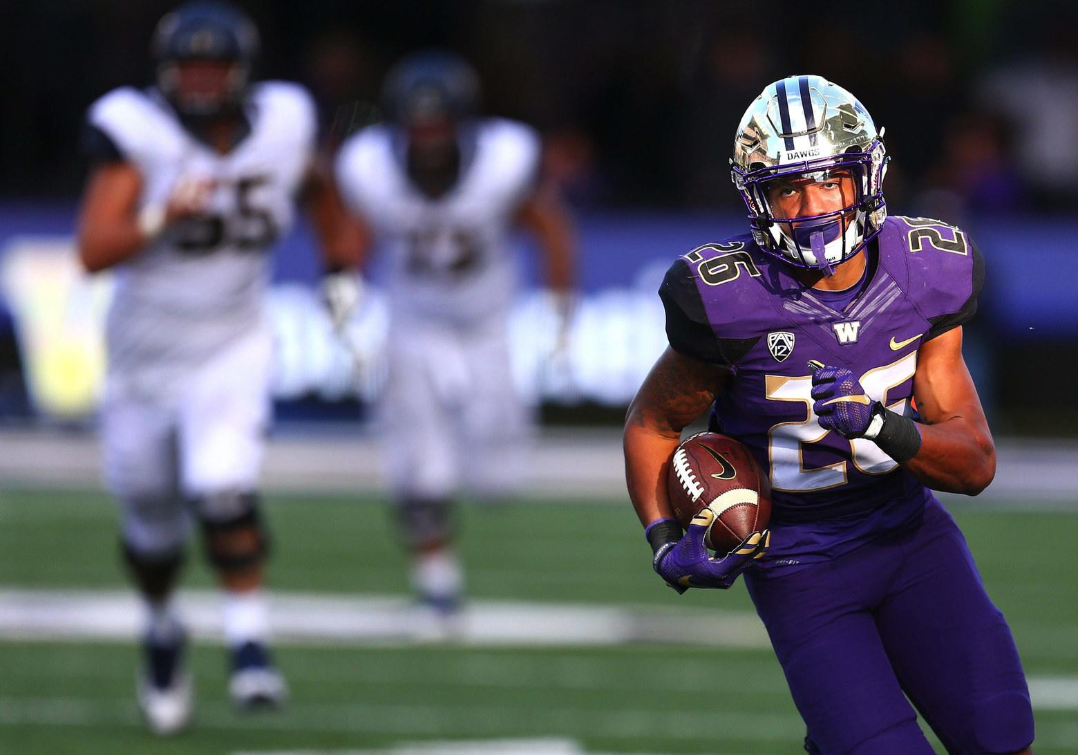 Should Cowboys Draft Prospects Recuperating From Injuries?