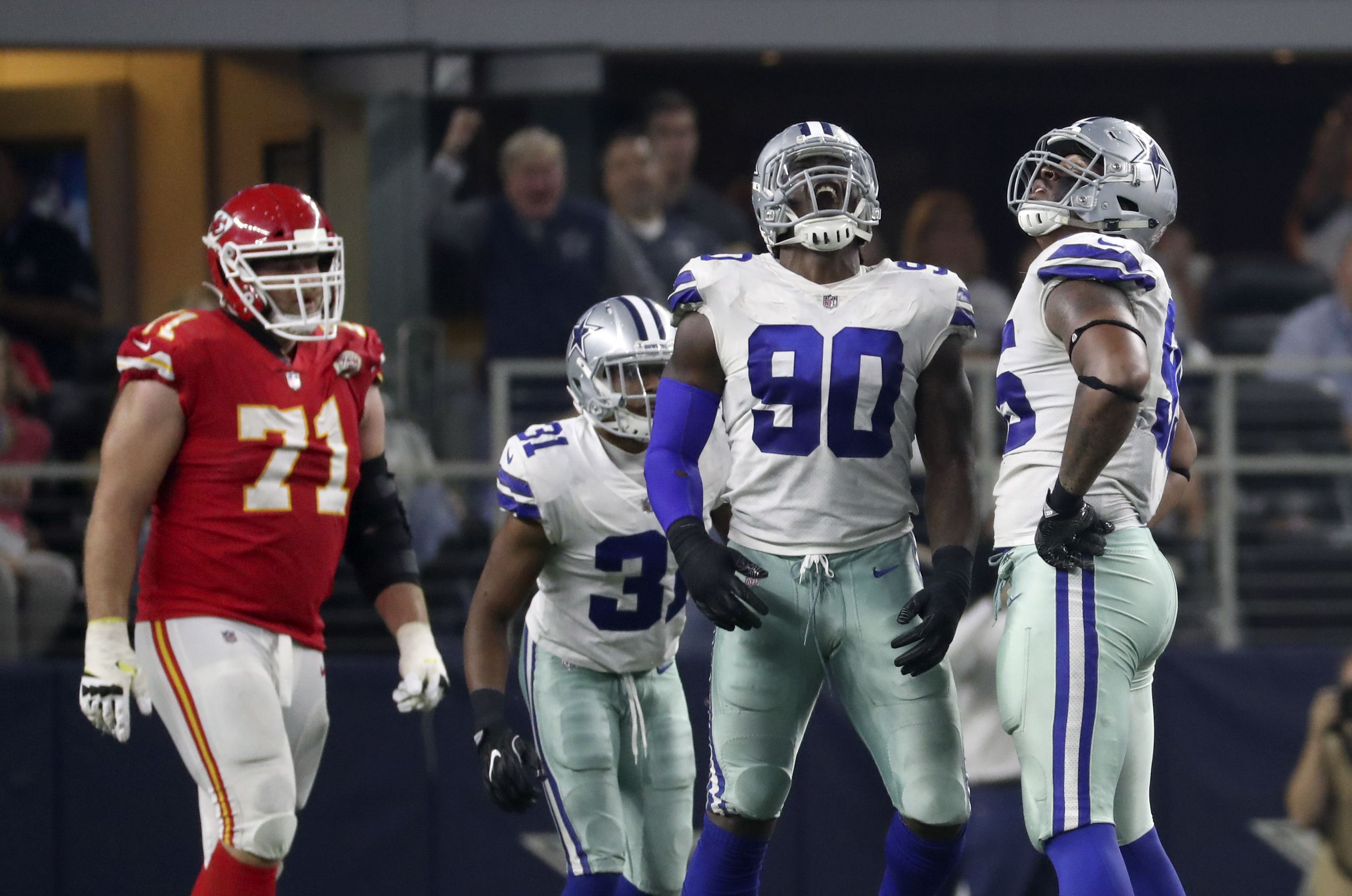 Cowboys en Español: El Futuro de David Irving y DeMarcus Lawrence