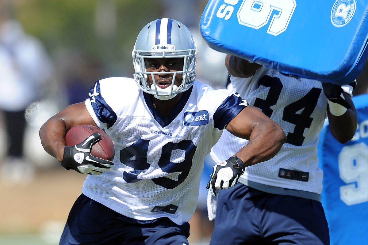 Jamize Olawale's Versatility Allows Cowboys to go Thin at RB