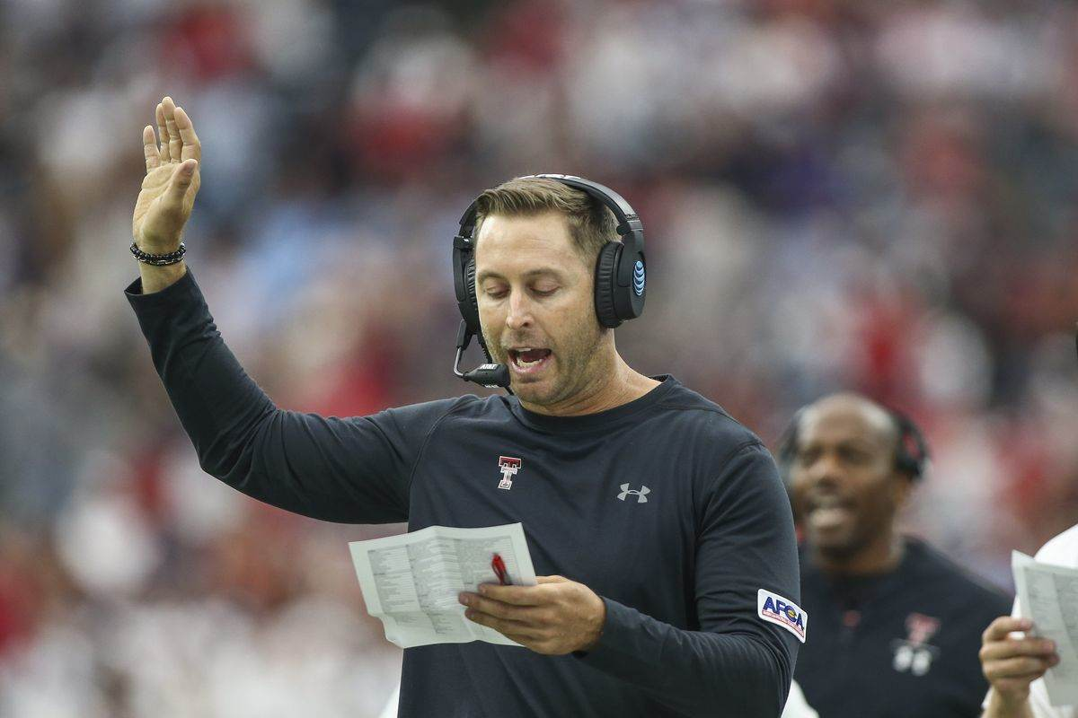 Why Kliff Kingsbury Should be Added to Cowboys Staff Immediately