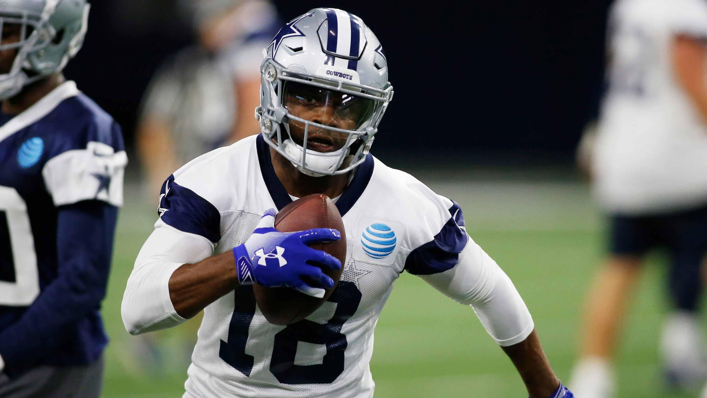 """Dallas Cowboys' Kellen Moore Offense """"Challenging"""" Defense in Practices"""