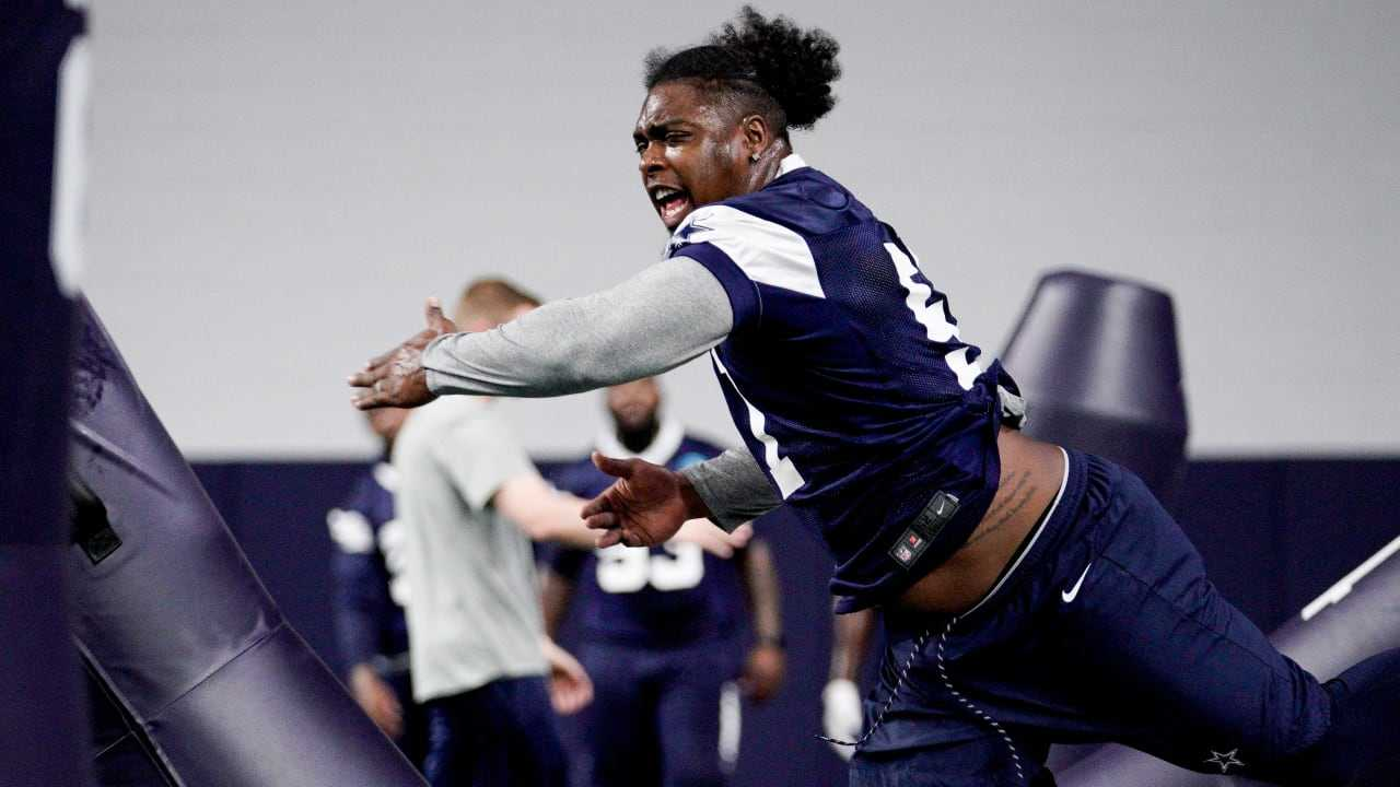Ezekiel Elliott's Not Suspended by National Football League for Vegas Incident, Just Warning