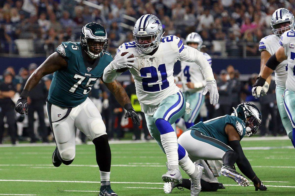 Where Does Ezekiel Elliott Stand in the 2019 Rushing Title Race?