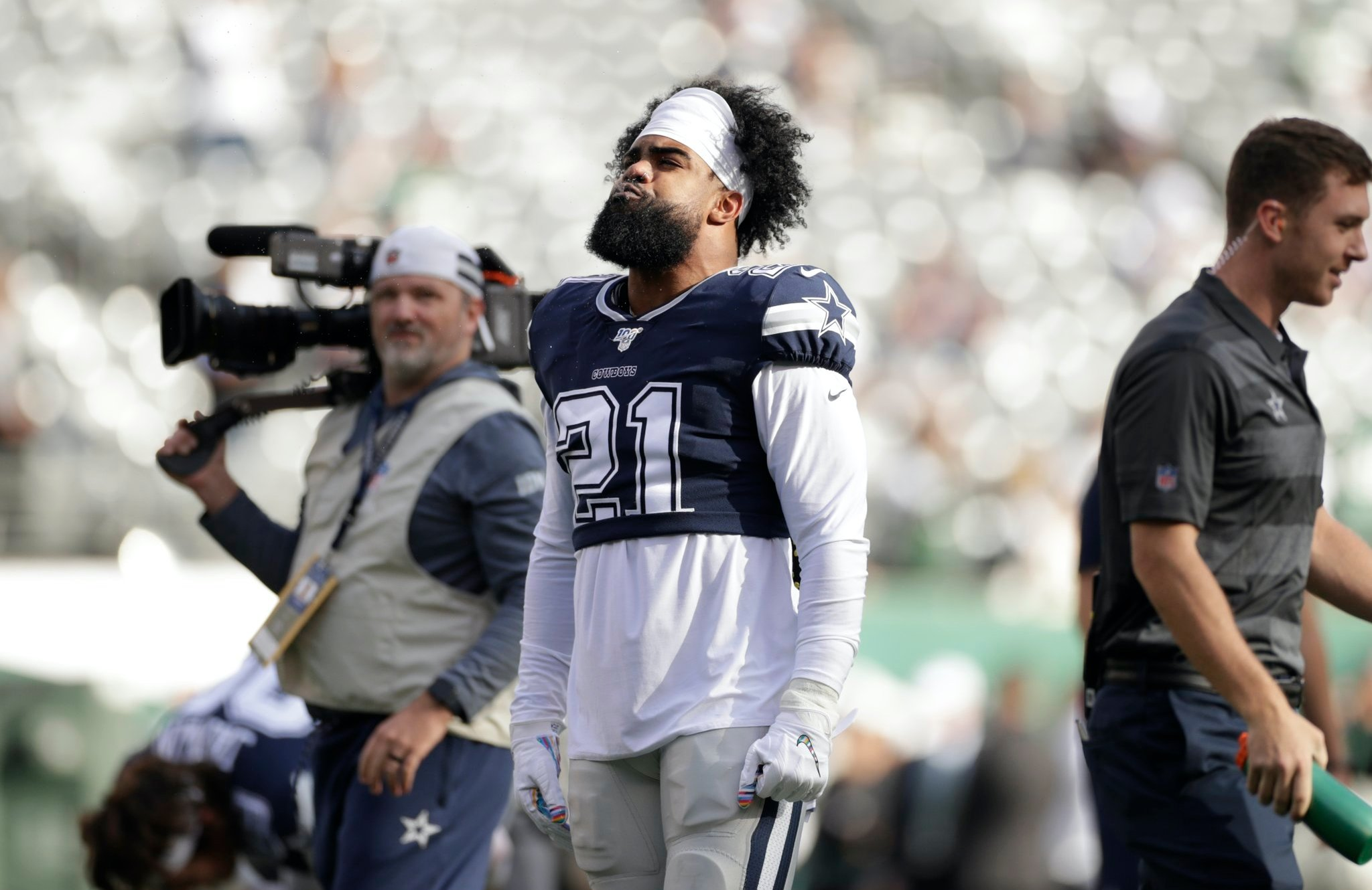 Ezekiel Elliott led Near Comeback vs Jets, Needs to be Focal Point Going Forward